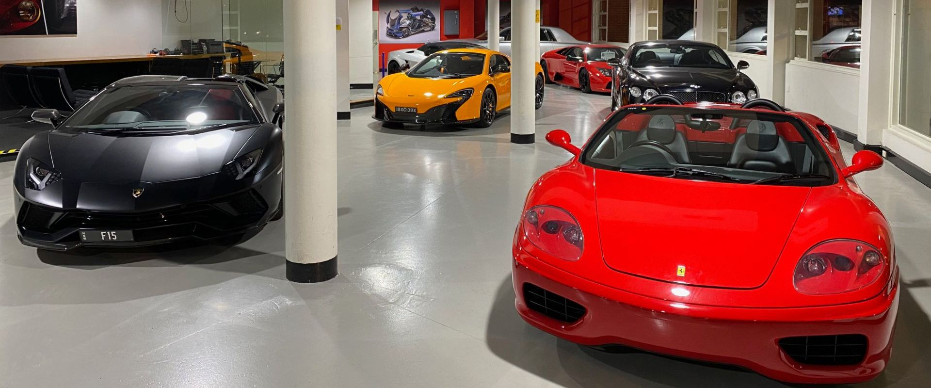 showroom 360 Ferrari